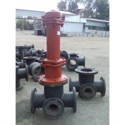 Подставка пожарная «ППКФ Ду 200х150» крестовая фланцевая